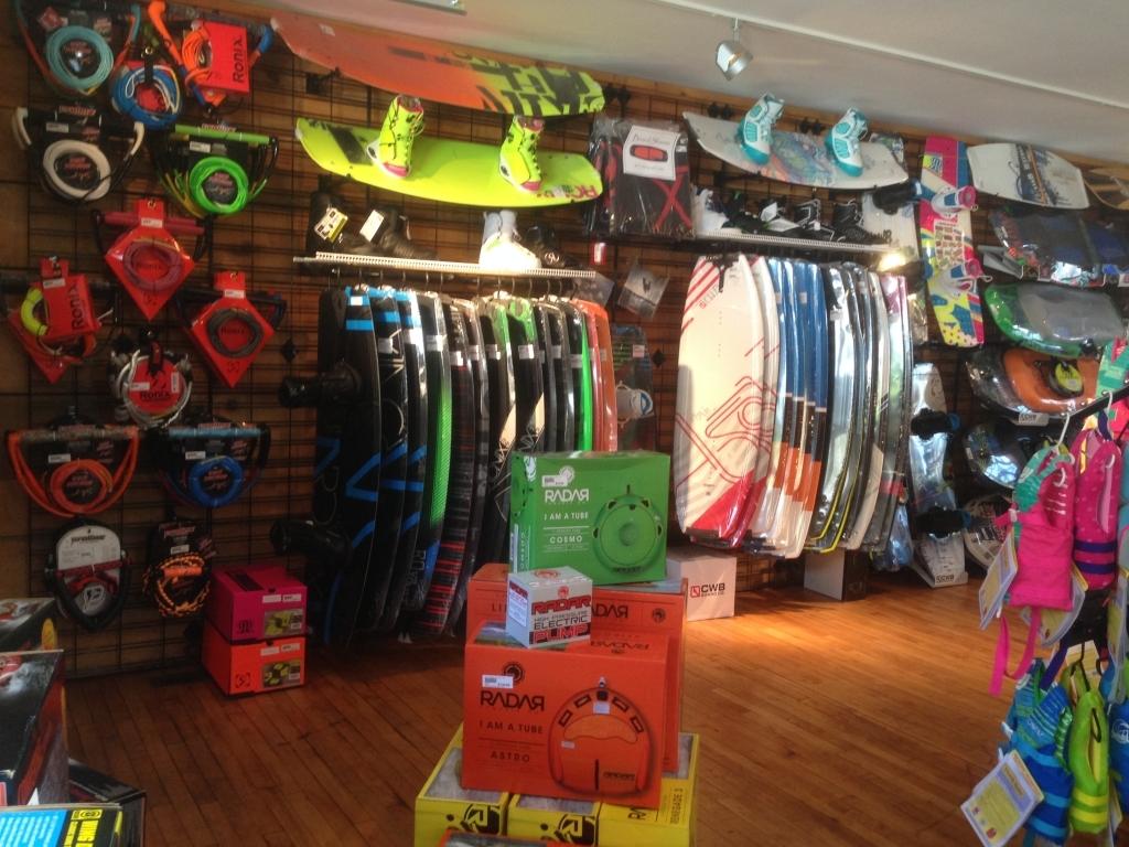 https://paboatshop.com/wp-content/uploads/2015/04/Board-Shop-Interior-1024x768.jpg