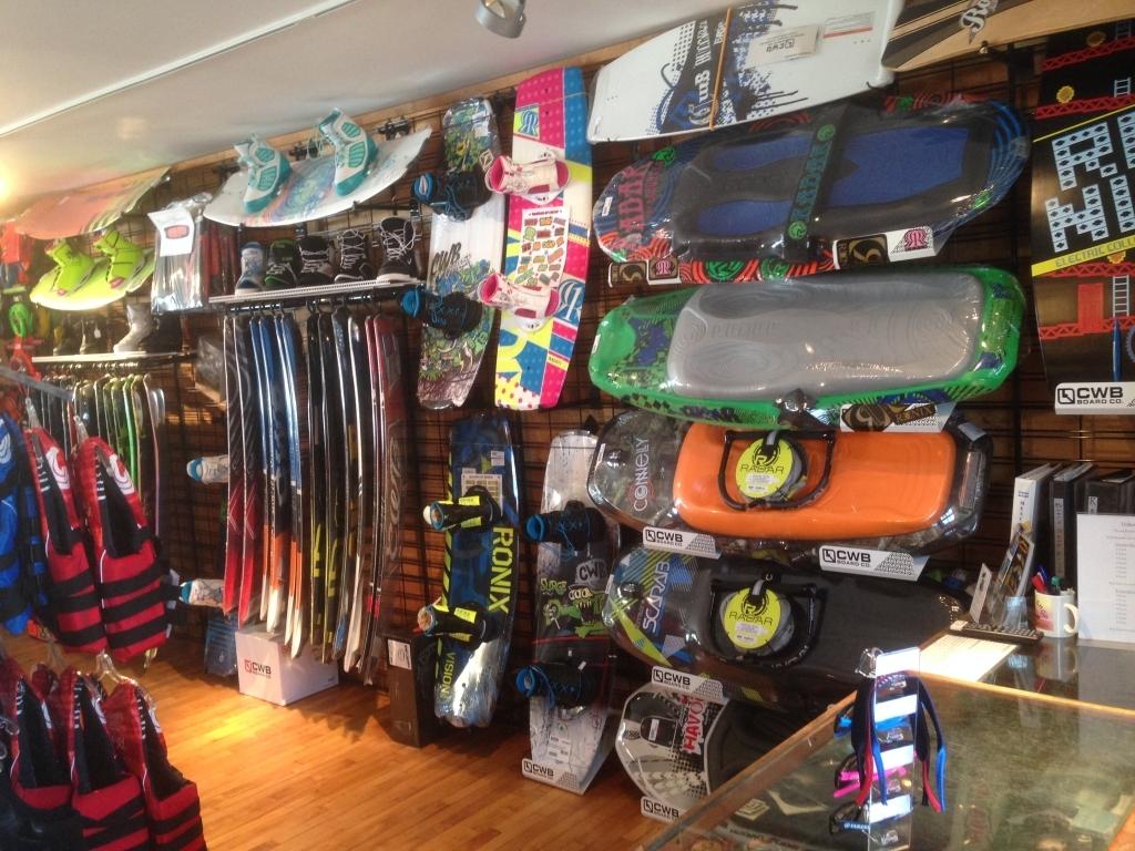 https://paboatshop.com/wp-content/uploads/2015/04/Board-Shop-Interior2-1024x768.jpg